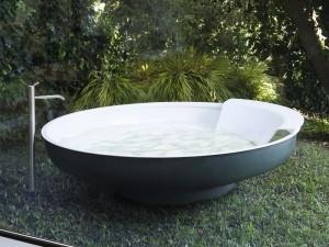 Agape Outdoor Ufo freestanding hot tub AVAS0906EZG