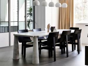 Agapecasa Eros dining table in marble