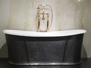 Devon & Devon Camelot freestanding hot tub NACAMELOT
