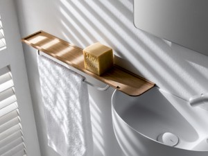 Falper wood shelf with brass towell holder WL5
