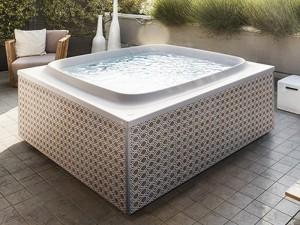 Jacuzzi Skylounge outdoor freestanding hydromassaging hot tub SKL00023365