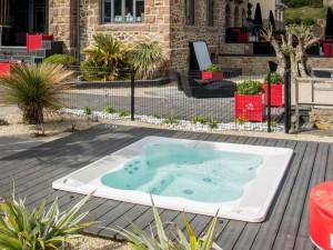 Jacuzzi Virginia Experience indoor and outdoor drop in hydromassage spa 9445-01752